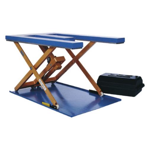 Lapos formátumú emelő-asztal